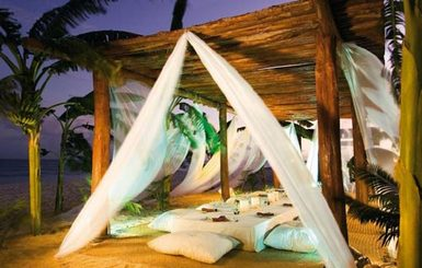 Secrets-Capri-Riviera-Cancun-Beachside-Dining