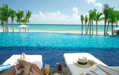 The-Royal-Hideaway-Infinity-Pool