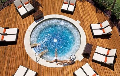 Dreams-Riviera-Cancun-Resort-Spa-Jacuzzi