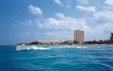 Dreams-Cancun-Resort-Spa-Jet-Skiing