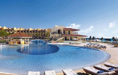 Secrets-Capri-Riviera-Cancun-Pool-View