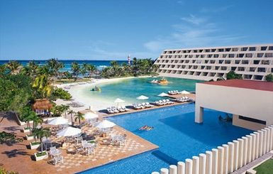 Dreams-Cancun-Resort-Spa-Pool