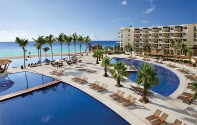 Dreams-Riviera-Cancun-Resort-Spa-Pools-Aerial-view