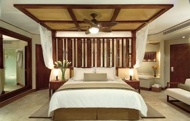 Dreams-Riviera-Cancun-Resort-Spa-Premium-Deluxe-Room